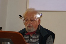 Ron Shuttleworth at the 2nd Bath International Mummers Festival Symposium, 16th November 2012